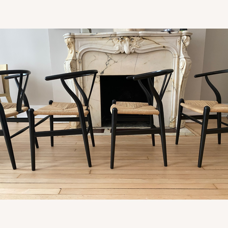 CH24 Black Wishbone Chairs set of 4 - image-2