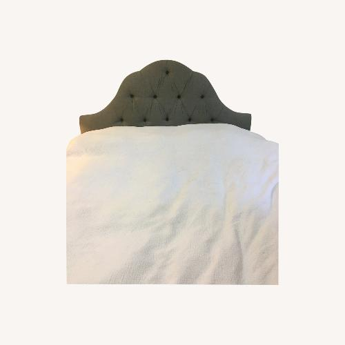 Used Skyline Furnited Tufted Linen Headboard - Queen for sale on AptDeco