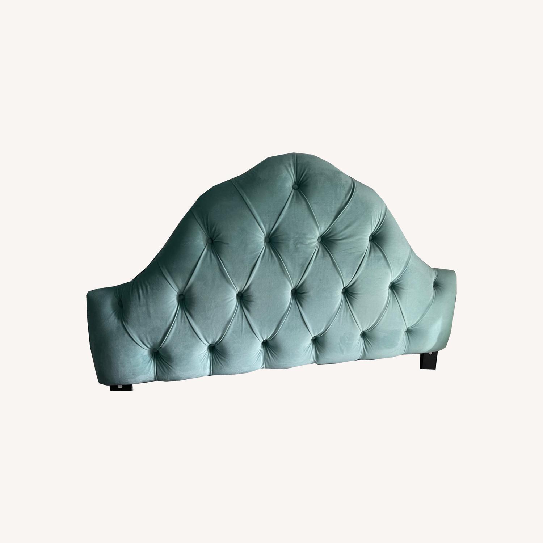 Skyline Furniture Full Sz Velvet Tufted Headboard - image-0