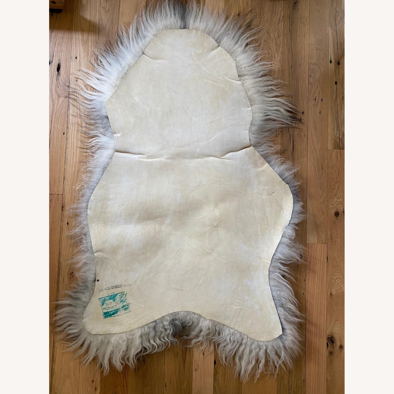 Authentic Icelandic Sheepskin Rug/Throw (1) - image-2