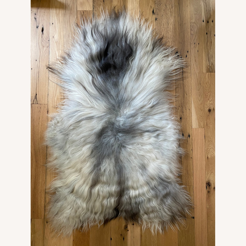 Authentic Icelandic Sheepskin Rug/Throw (1) - image-1