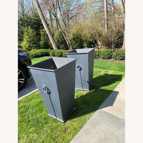 Used Restoration Hardware Estate Ring Square Planters for sale on AptDeco