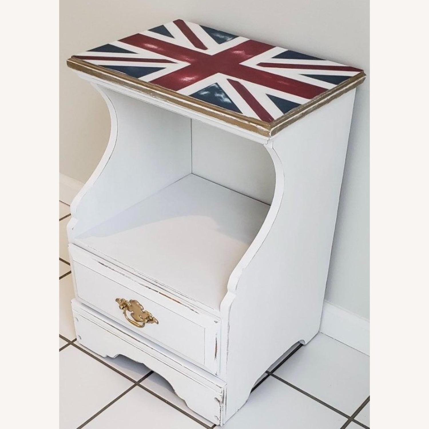 Federal Style Nightstand - image-7