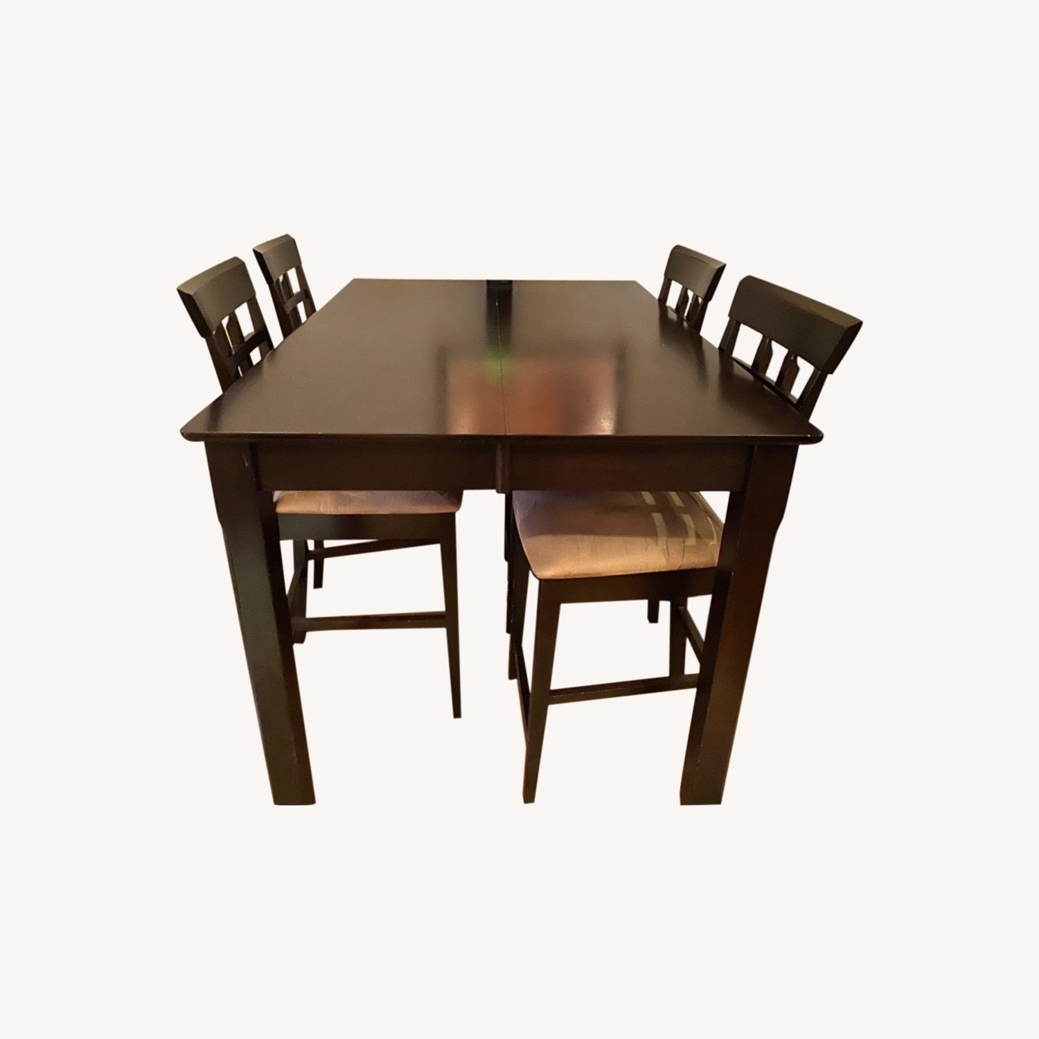 Rooms to Go Dining Set - image-0