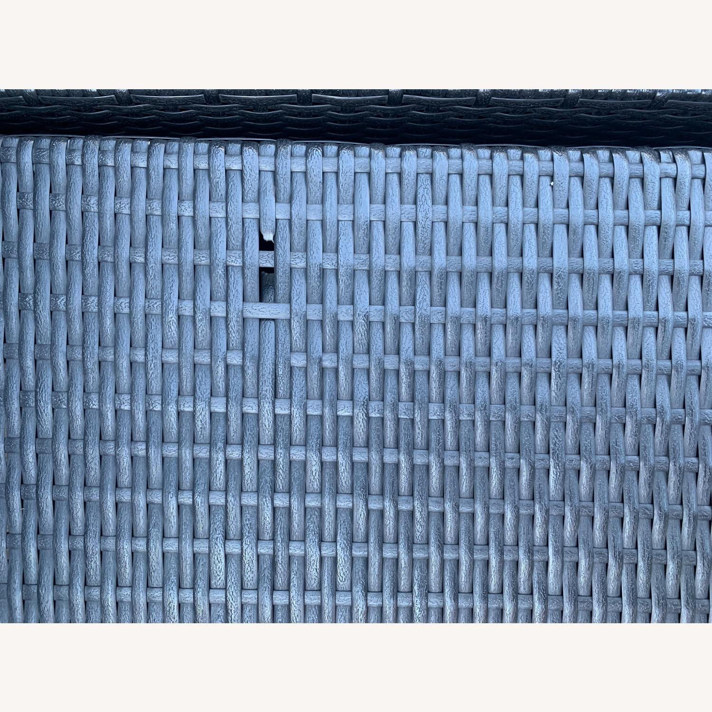 Modani Outdoor Patio Sectional (Black/White) - image-2