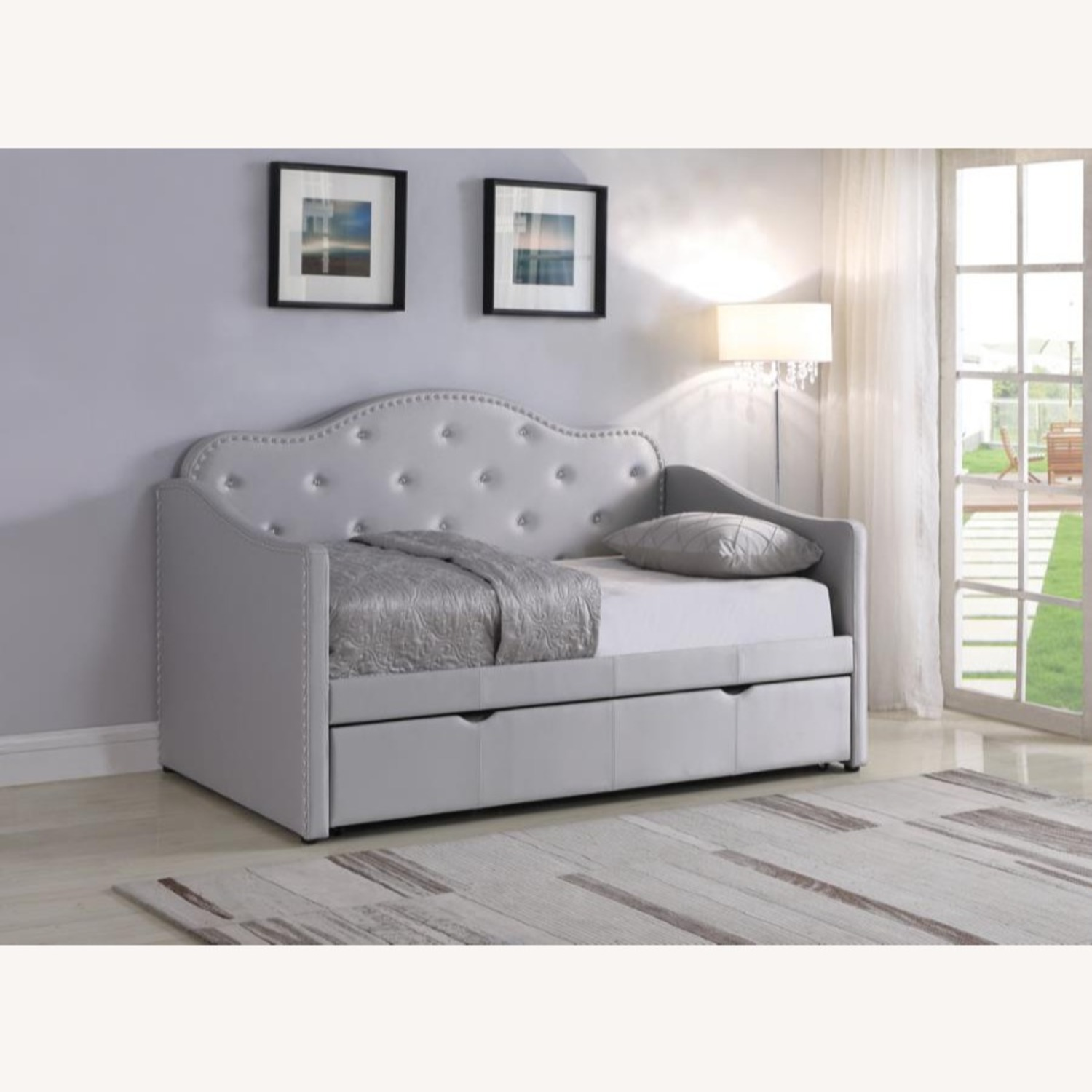 Daybed In Pearlescent Grey Leatherette Finish - image-8