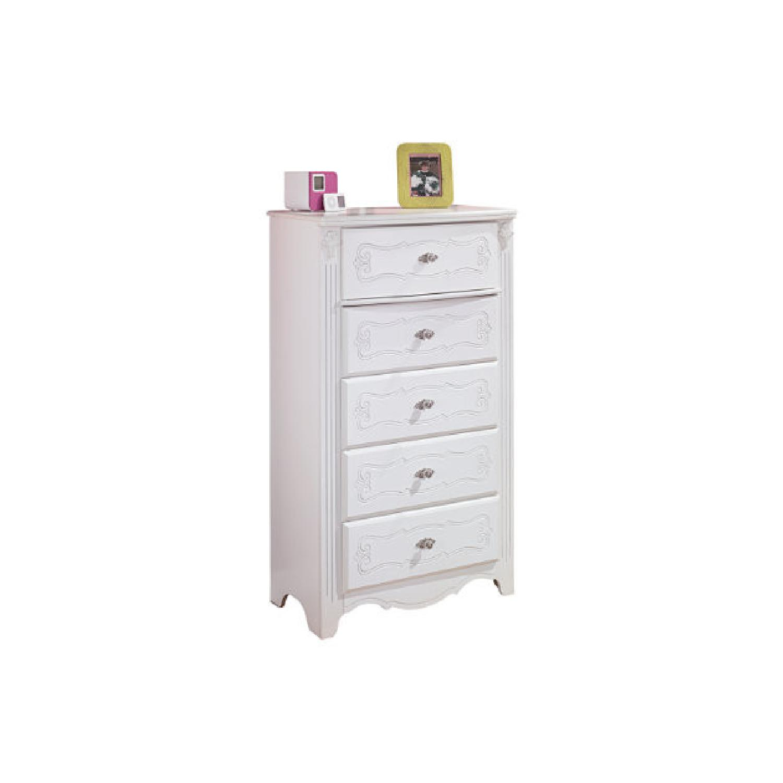 Ashley Furniture Exquisite Chest - image-4