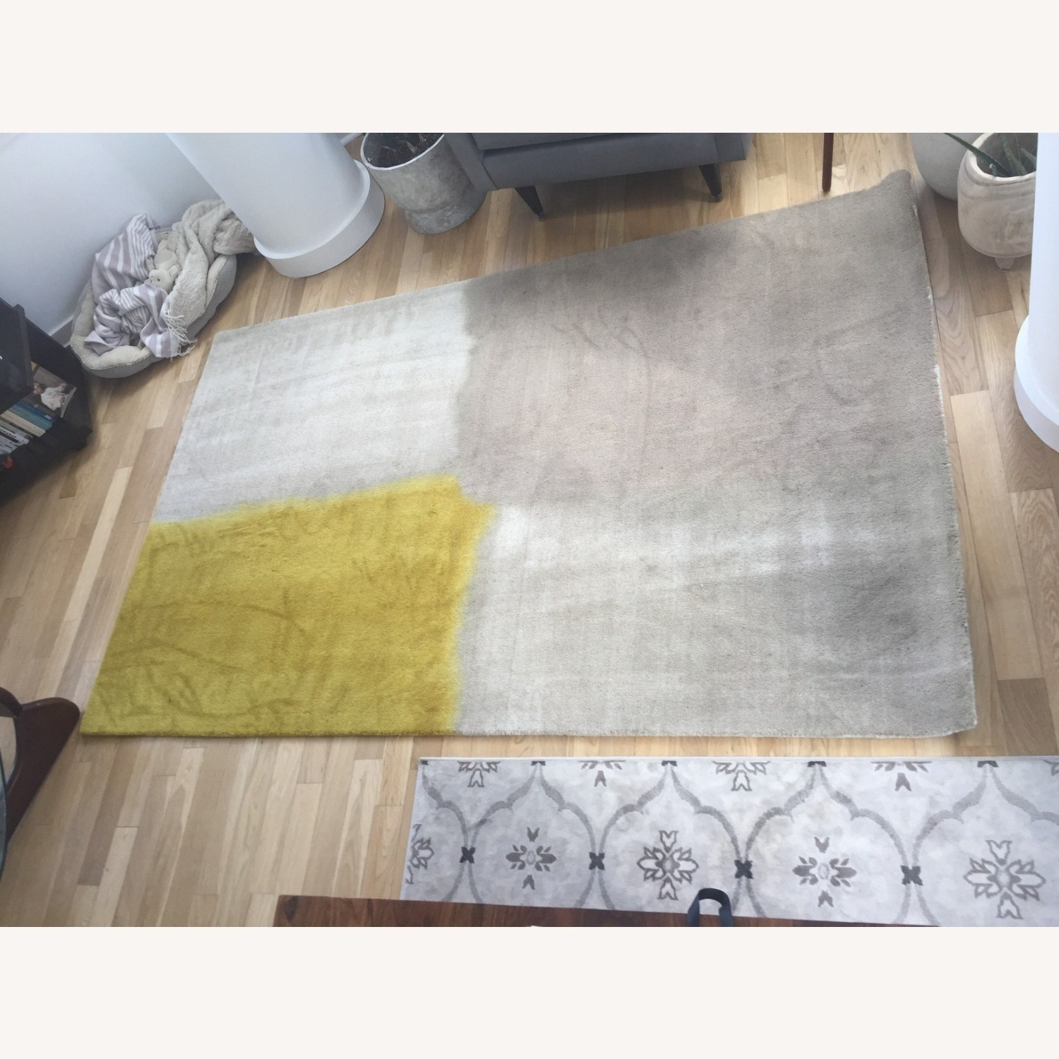 West Elm Area Rug 5' x 8' Frost Gray + Yellow - image-8