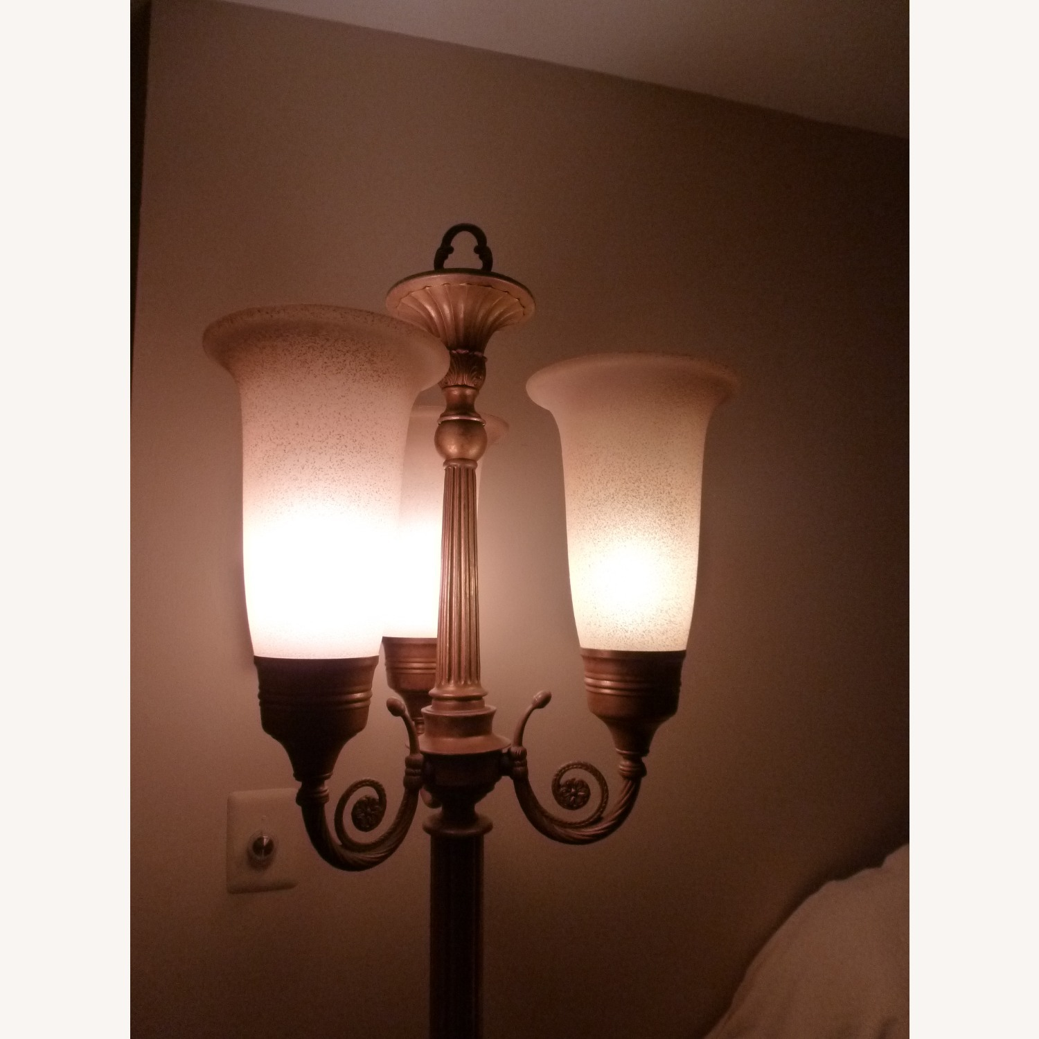 Gold tone Floor Lamp w/3 Lights and Dimmer Switch - image-3