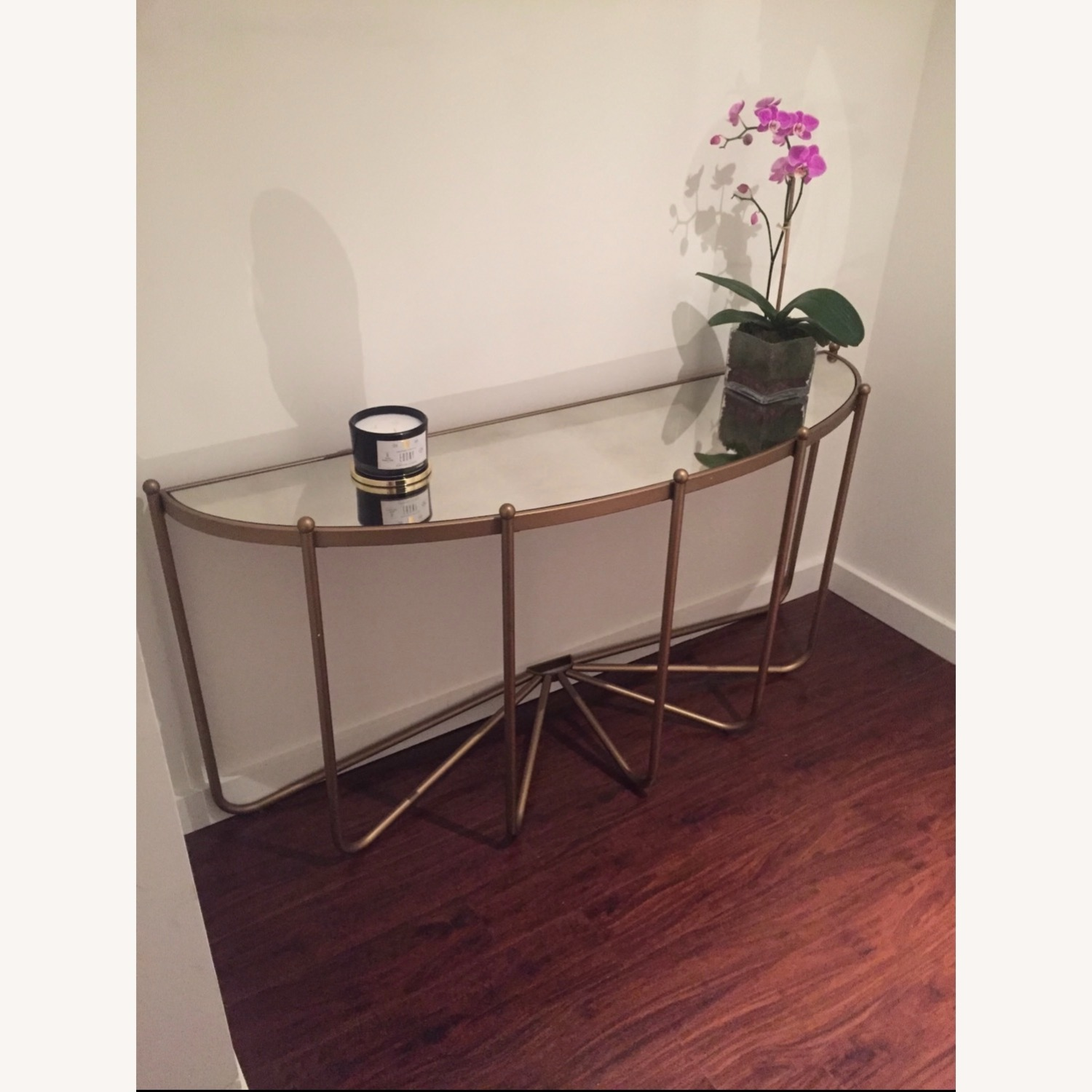 Gold Console/Entry Table - image-1