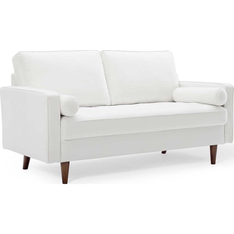 Modern Loveseat In White Velvet Finish - image-0