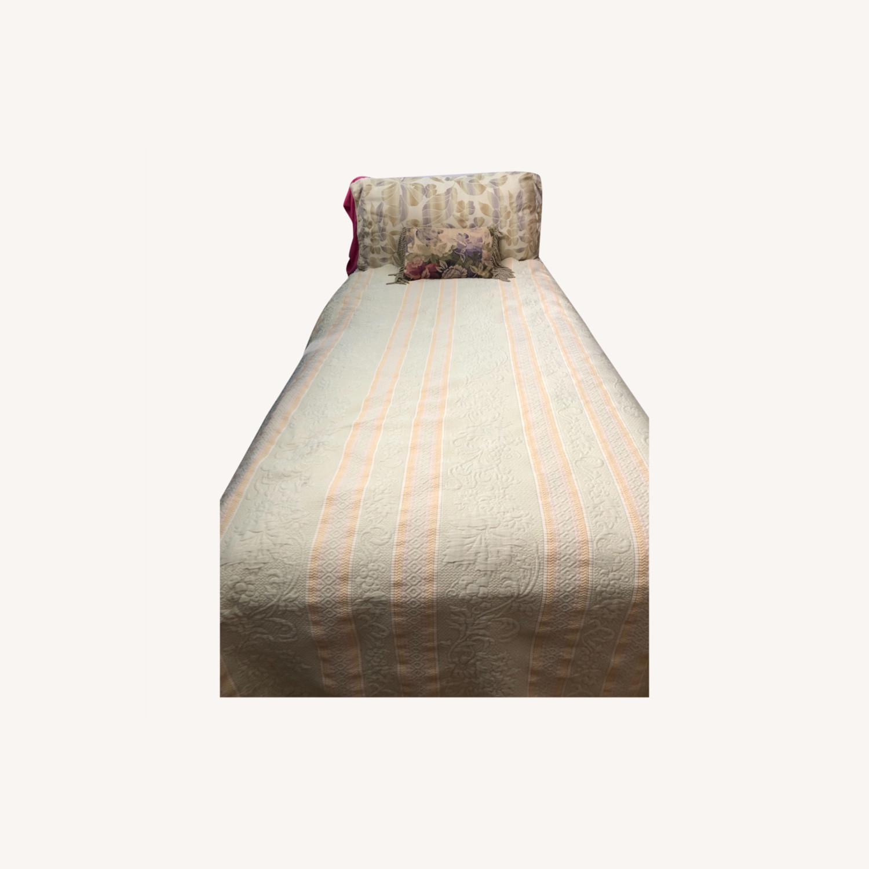 Sleepy's 2 Twin Adjustable Beds - image-0