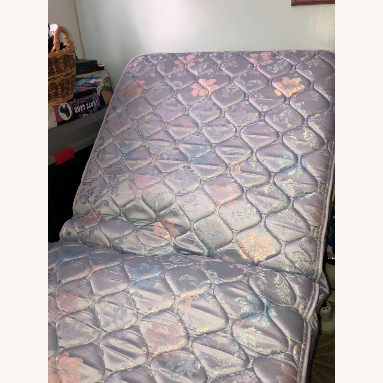Sleepy's 2 Twin Adjustable Beds - image-4