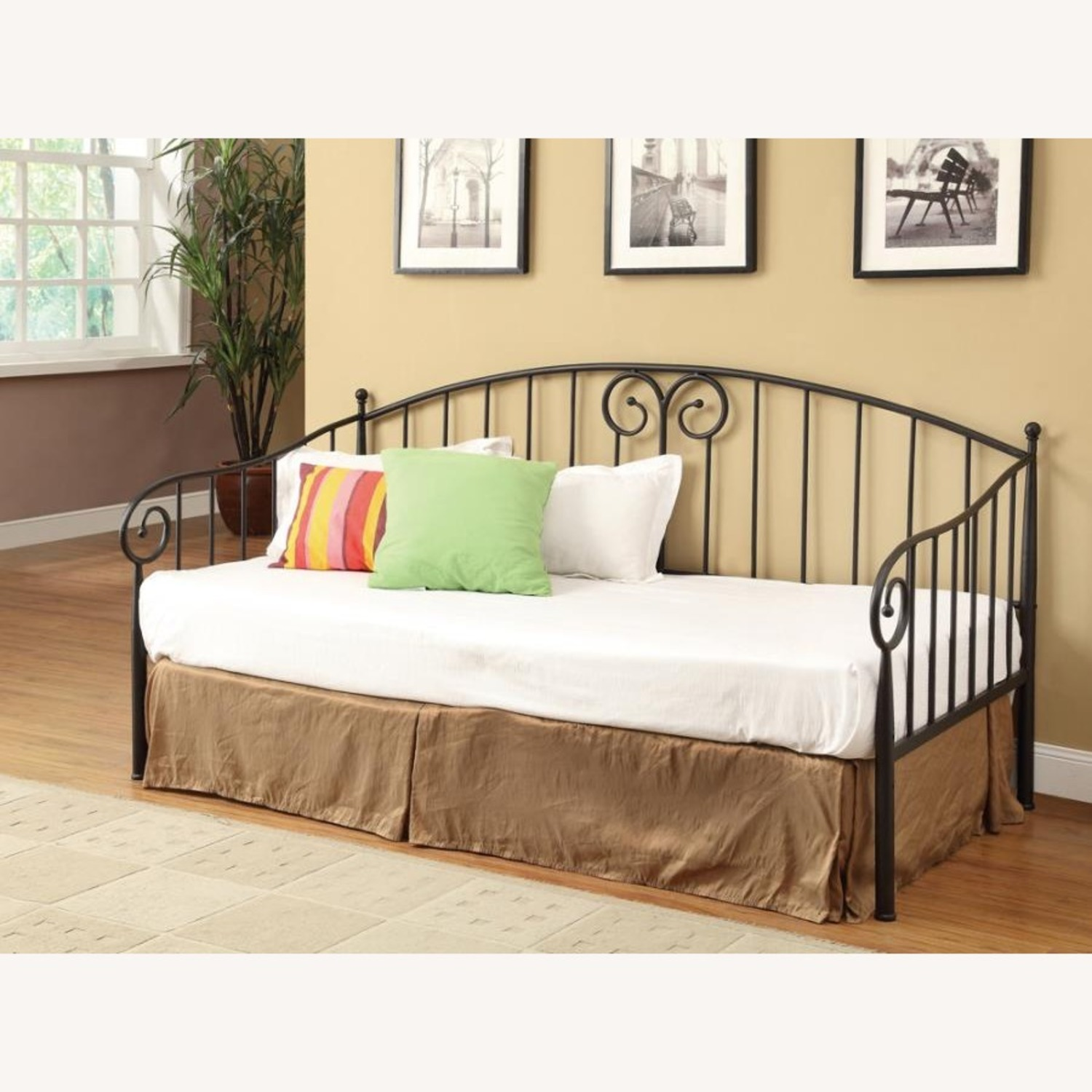Twin Daybed In Black Finish W/ Sloped Rail Design - image-2