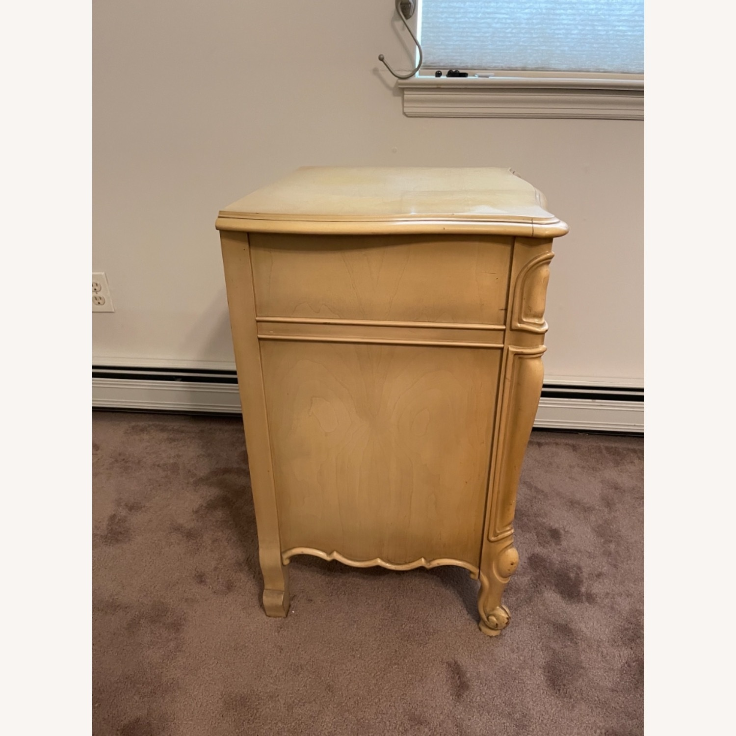 Mid Century French Provencial Nightstands [Pair] - image-6