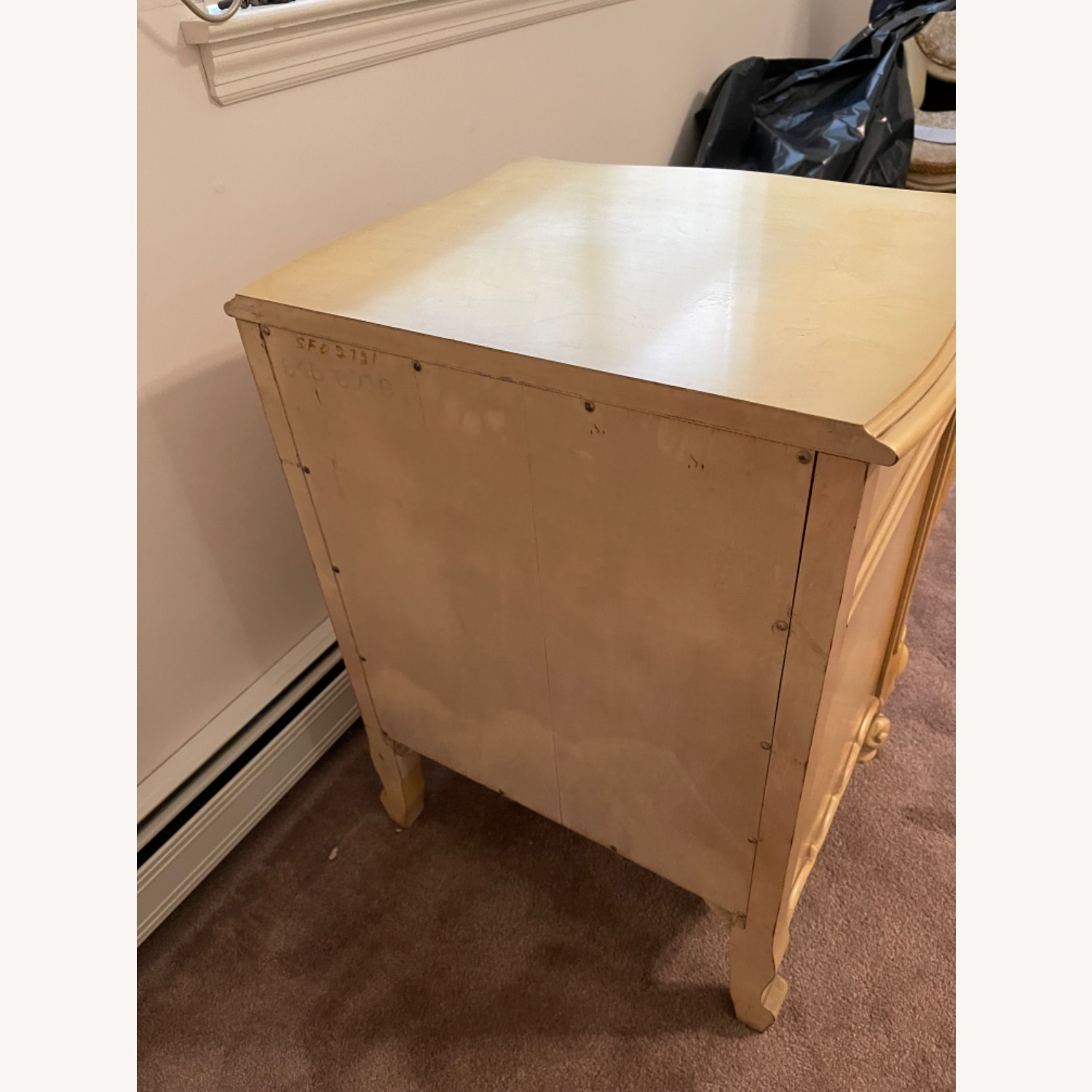 Mid Century French Provencial Nightstands [Pair] - image-5