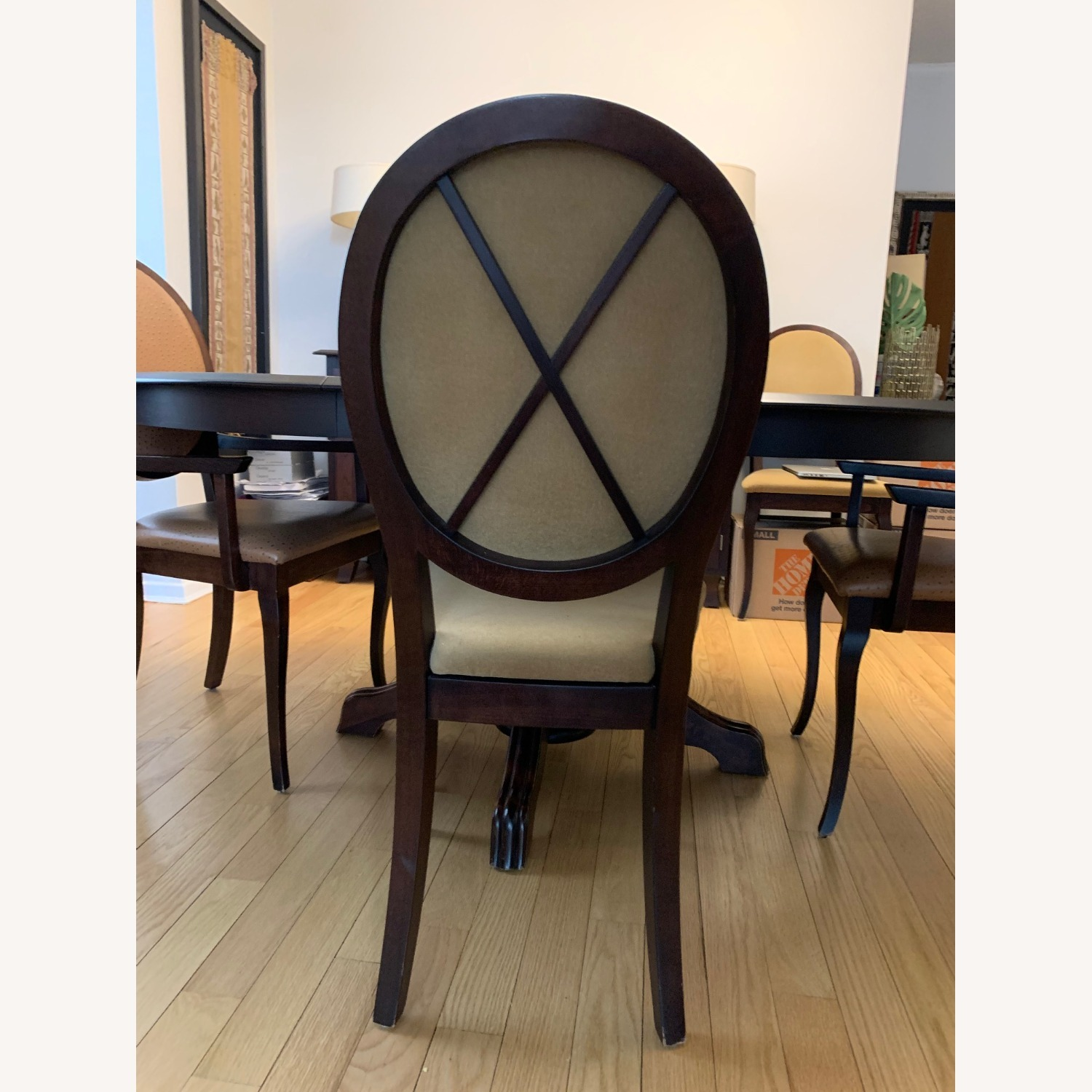 Expandable Dining Room Table w/ Six Chairs - image-3