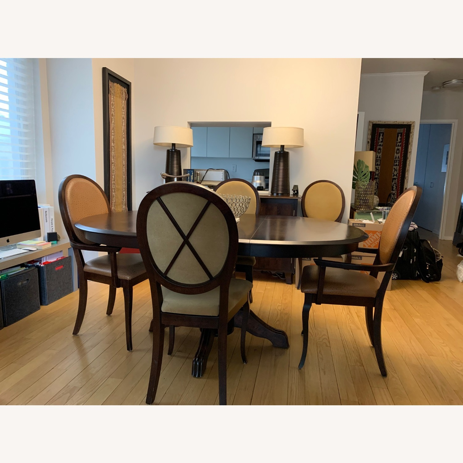 Expandable Dining Room Table w/ Six Chairs - image-0