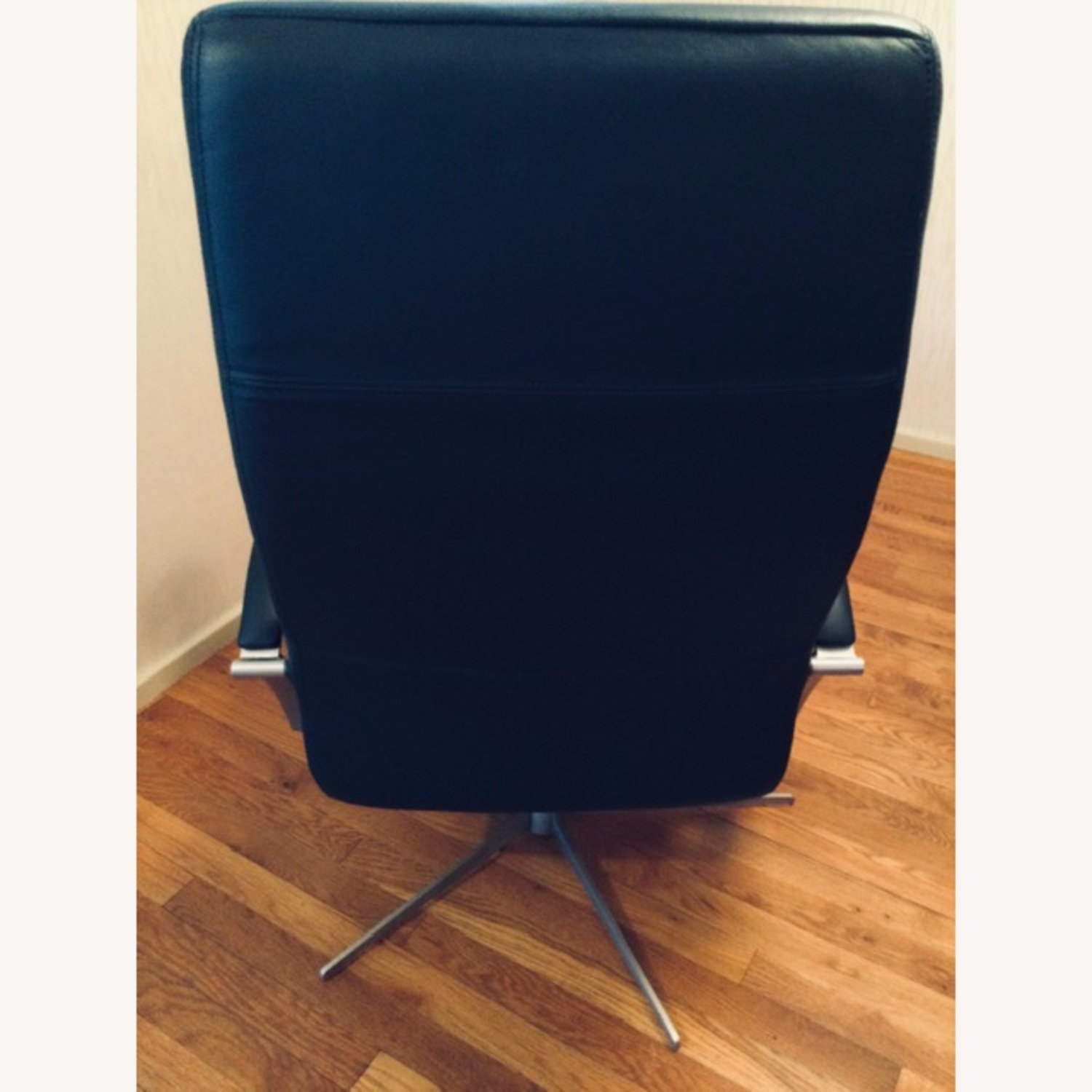 Black Recliner w/Ottoman by BoConcept - image-4