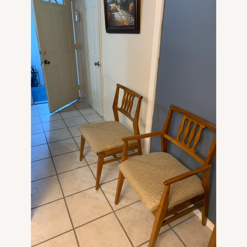 Used Hickory Furniture Company Dining Chair Set for sale on AptDeco