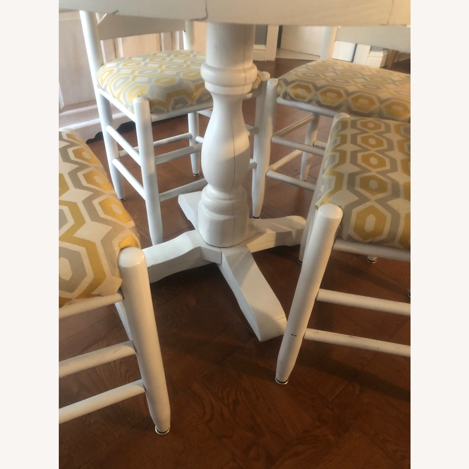 Solid Oak Table and 4 Chairs - image-7