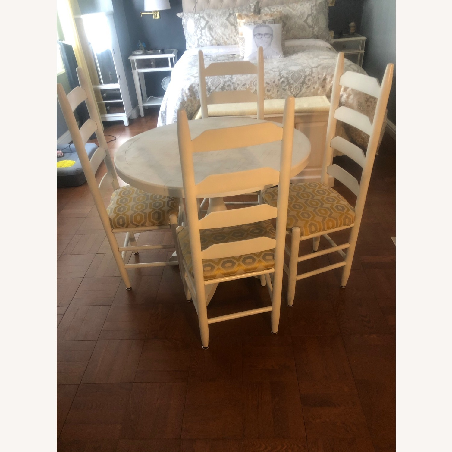 Solid Oak Table and 4 Chairs - image-6
