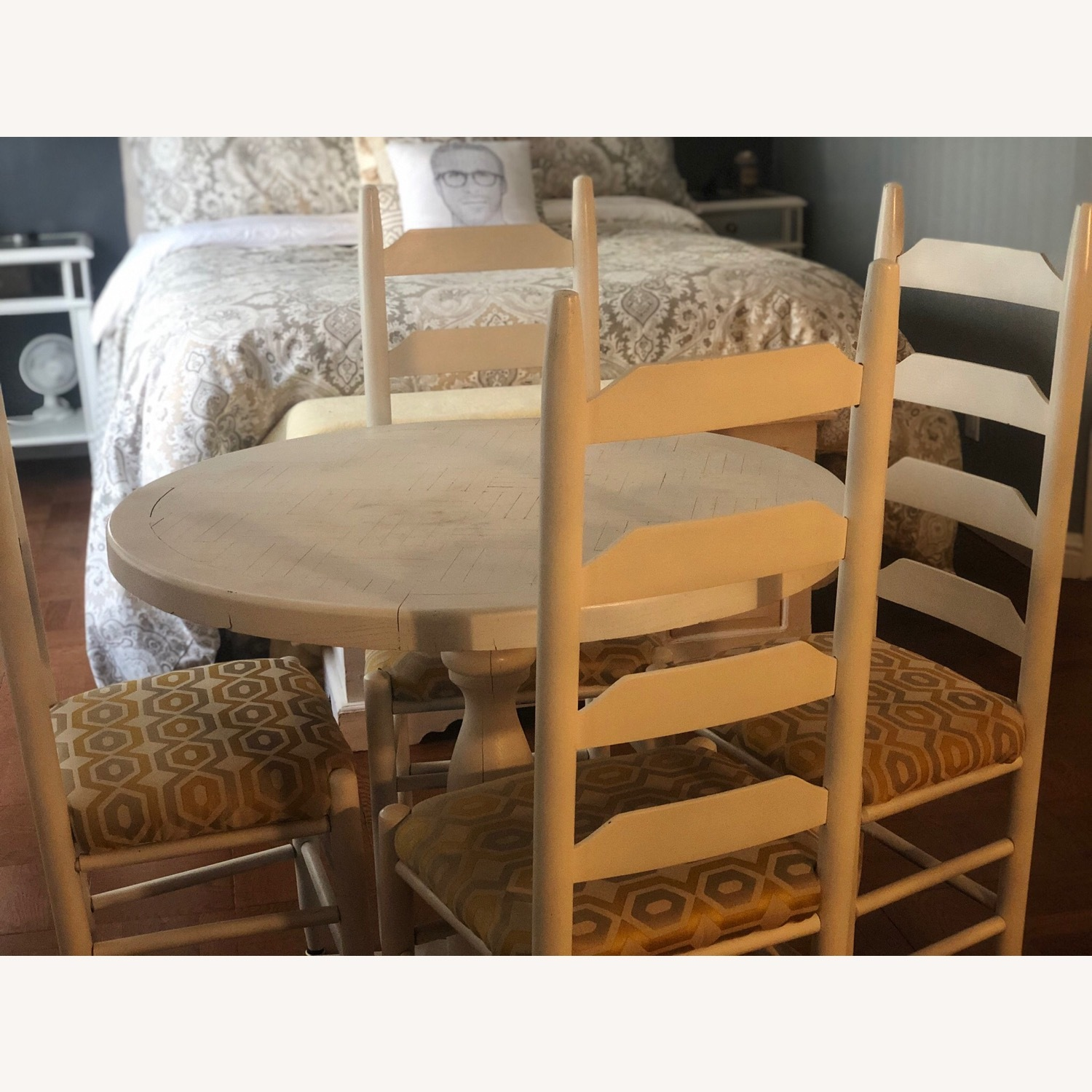 Solid Oak Table and 4 Chairs - image-8
