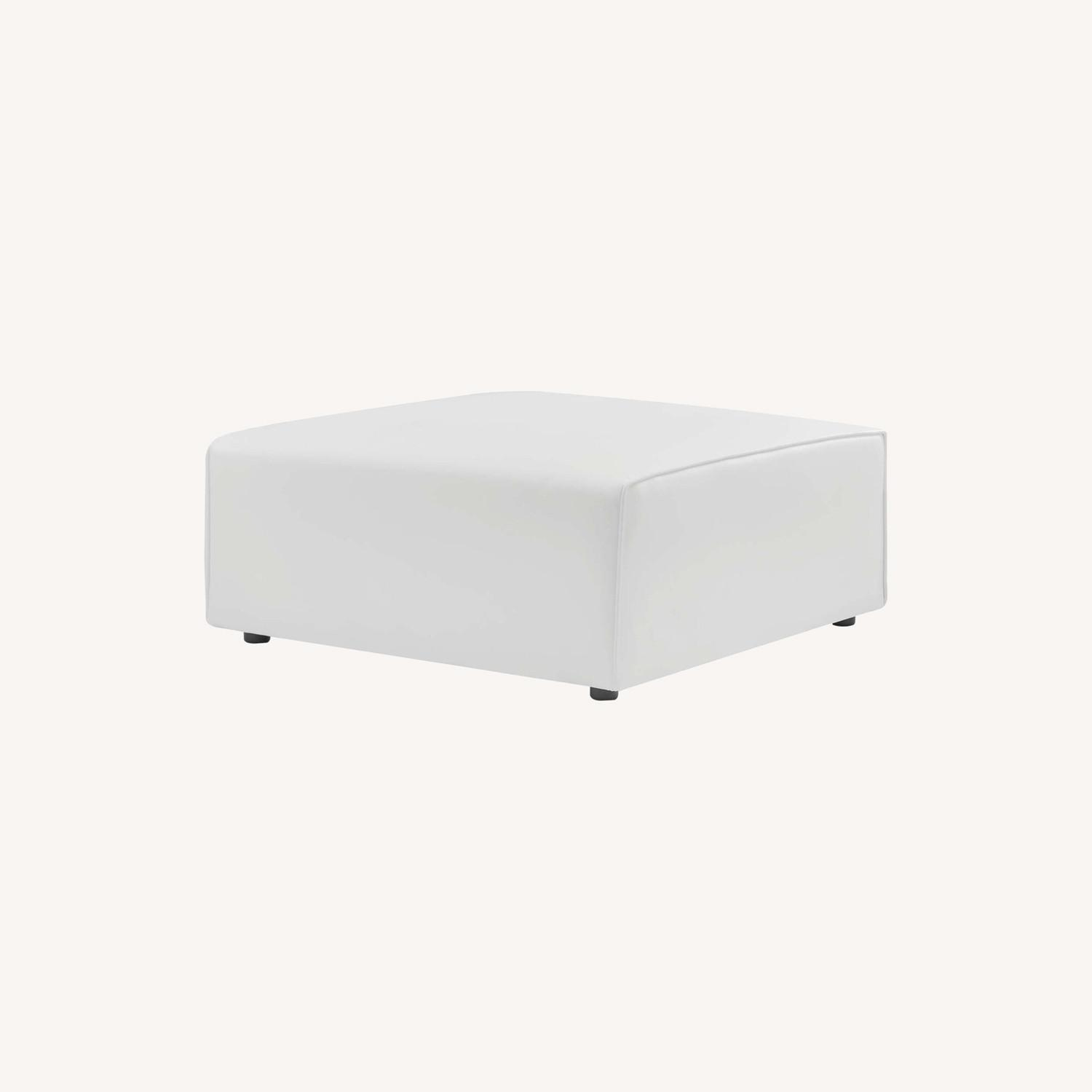 Ottoman In White Vegan Leather Upholstery - image-7