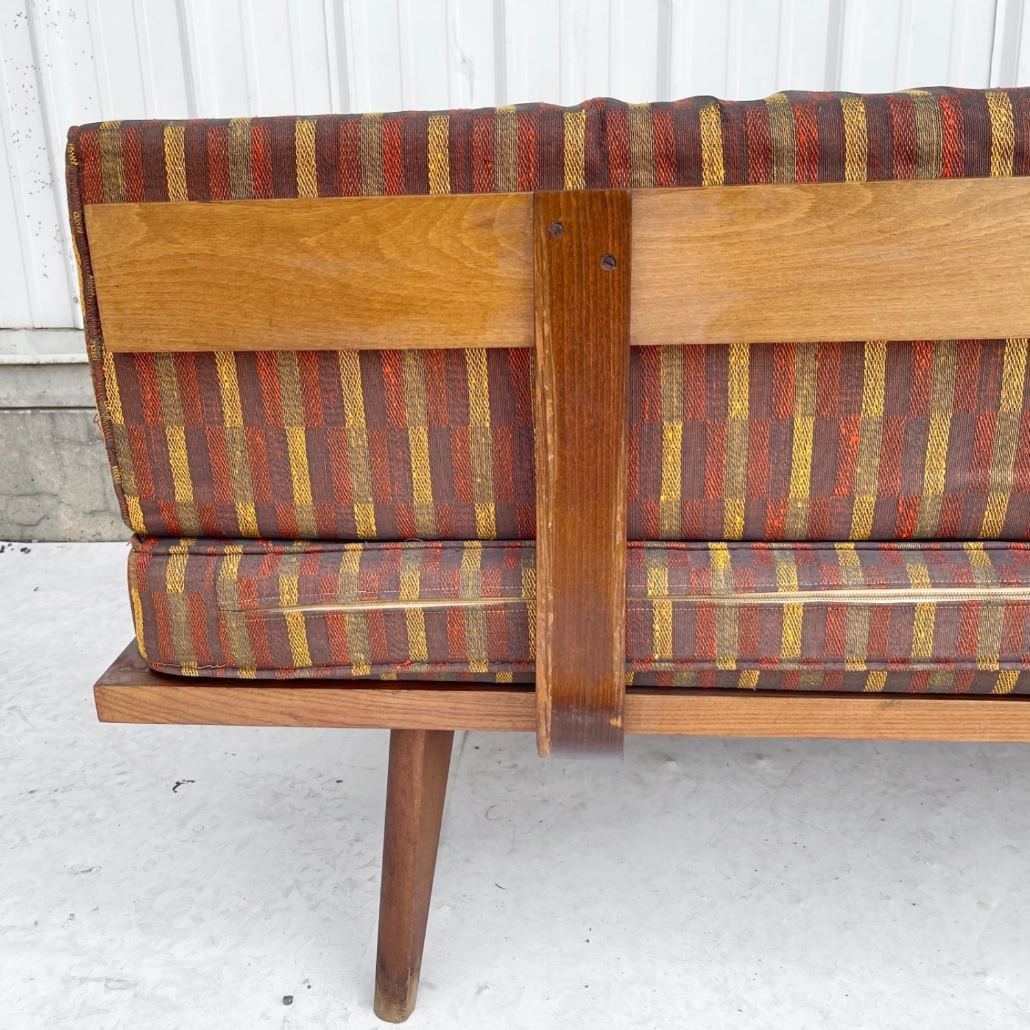 Mid-Century Modern Sofa or Daybed - image-4