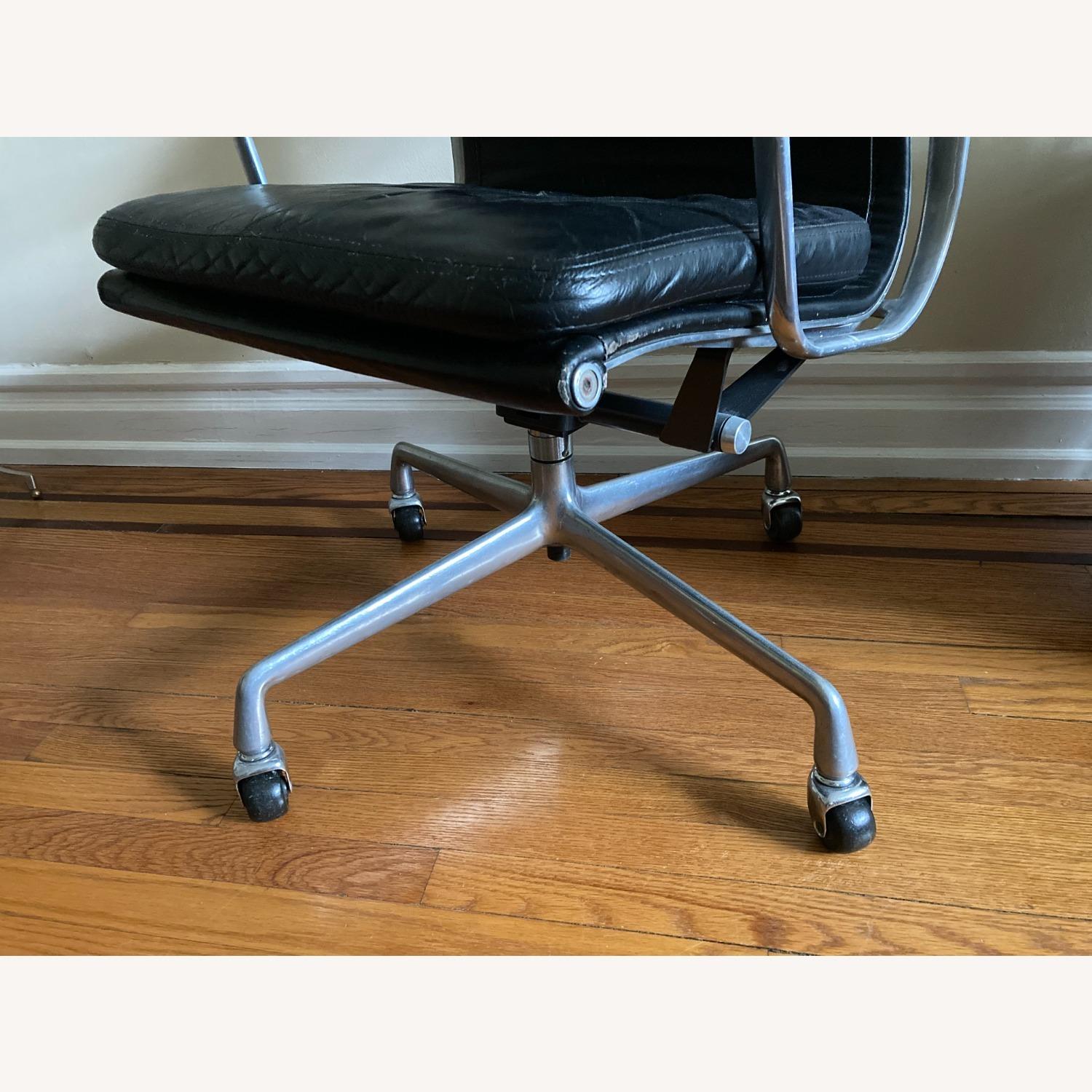 Herman Miller Eames Soft Pad Executive Chair - image-9