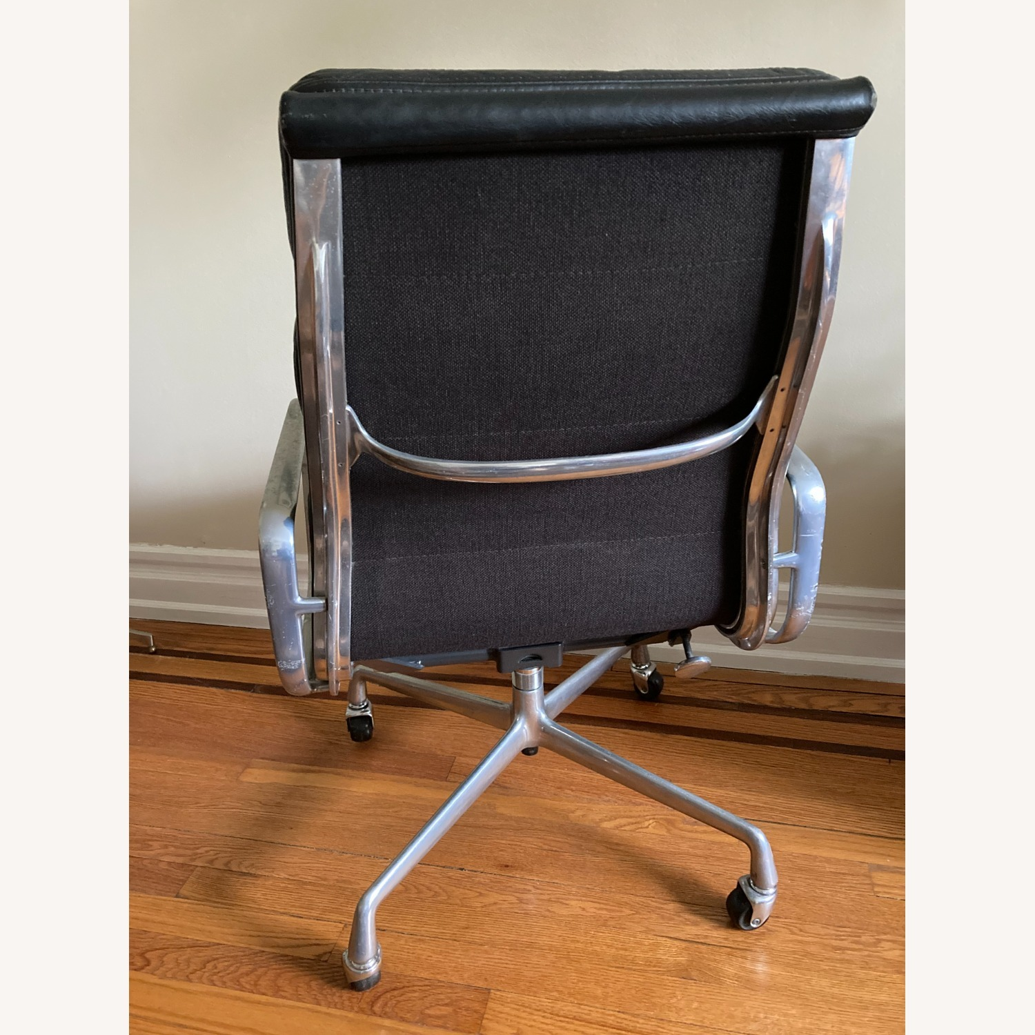 Herman Miller Eames Soft Pad Executive Chair - image-10