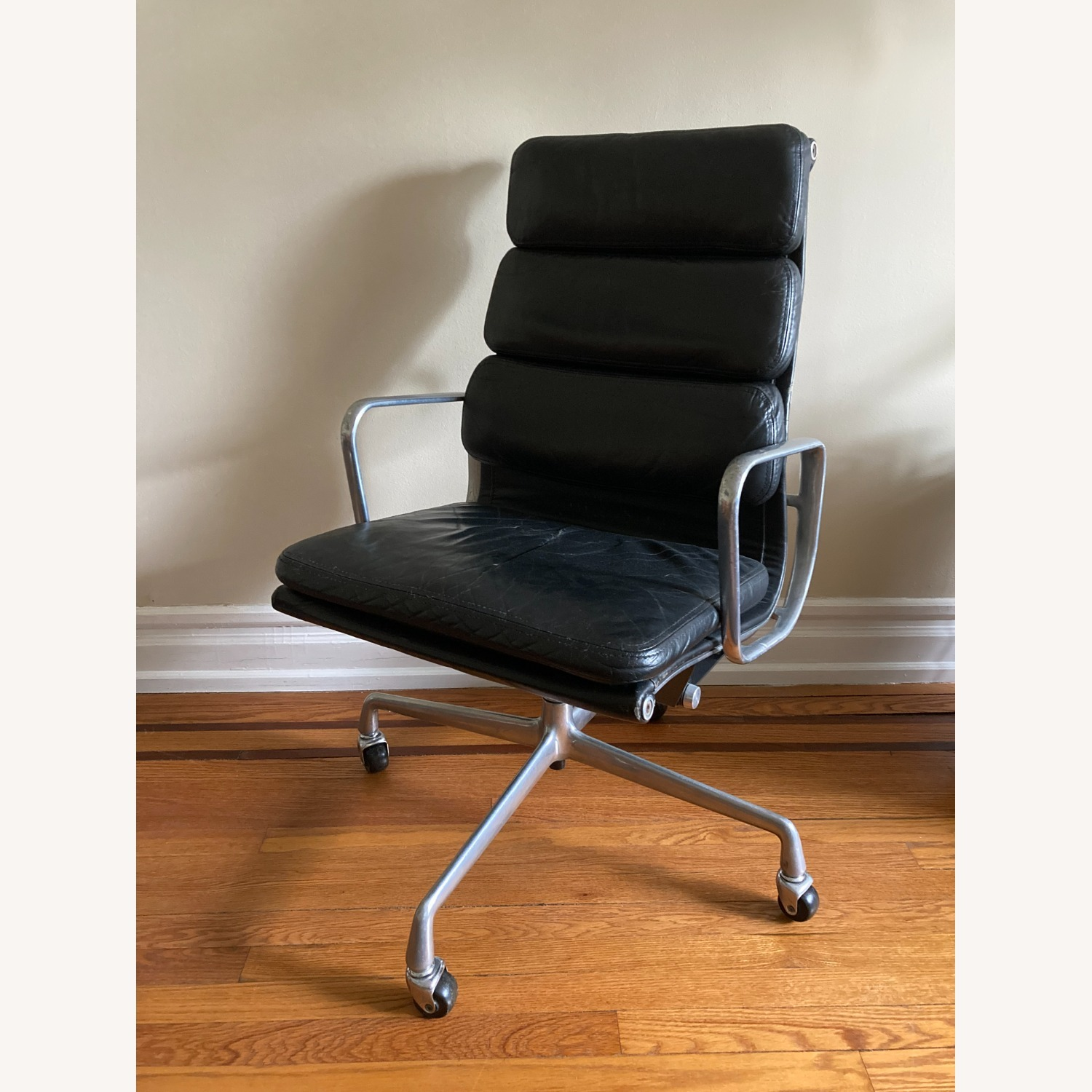 Herman Miller Eames Soft Pad Executive Chair - image-1