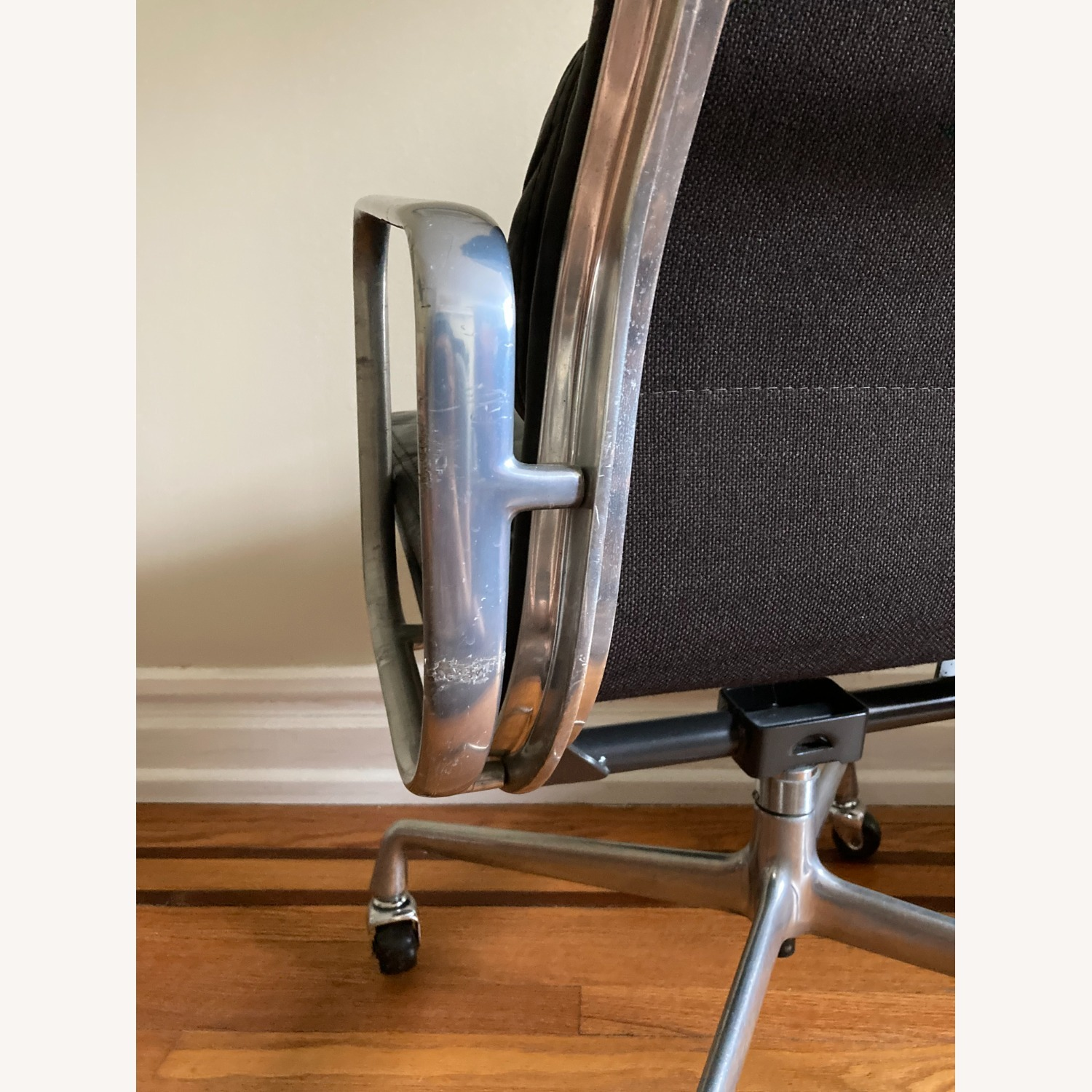 Herman Miller Eames Soft Pad Executive Chair - image-5