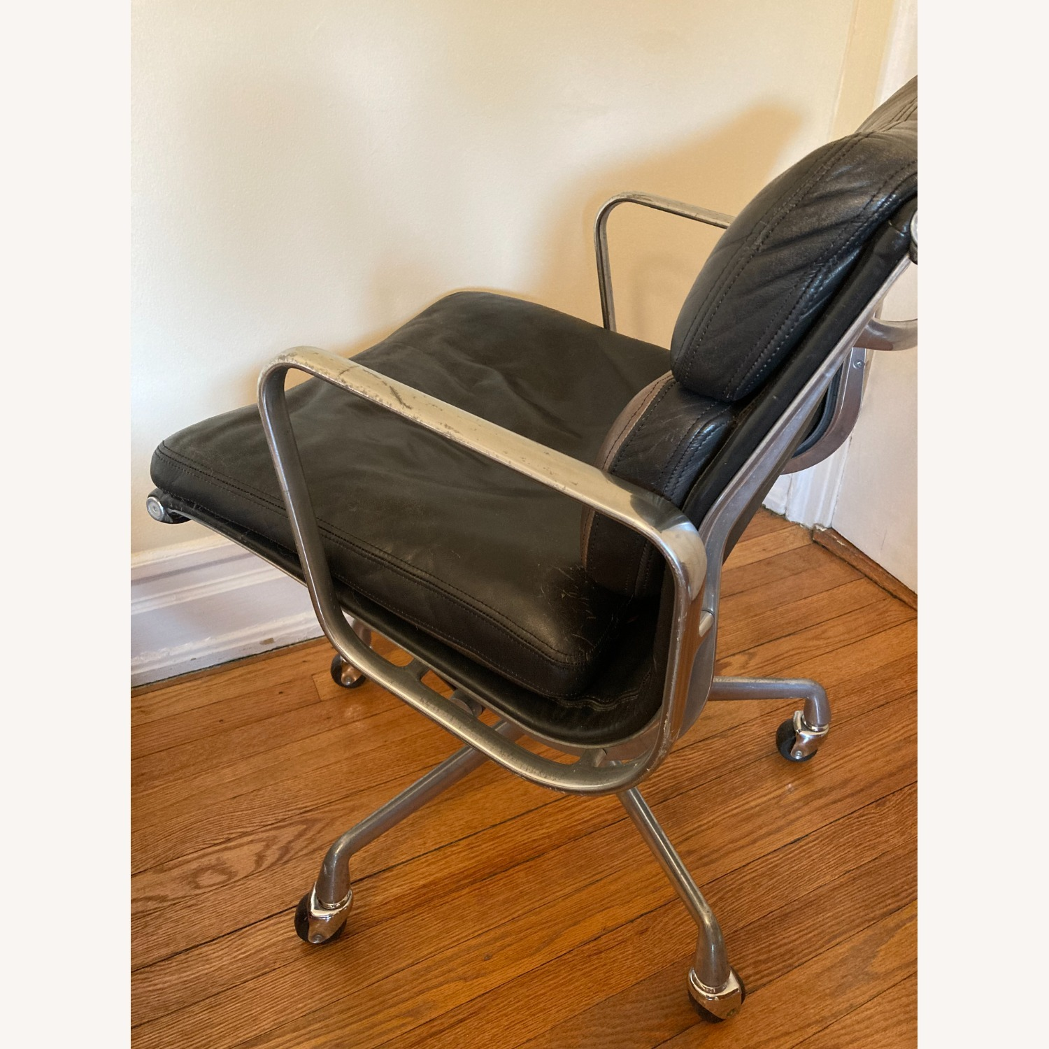 Herman Miller Eames Soft Pad Management Chair - image-5