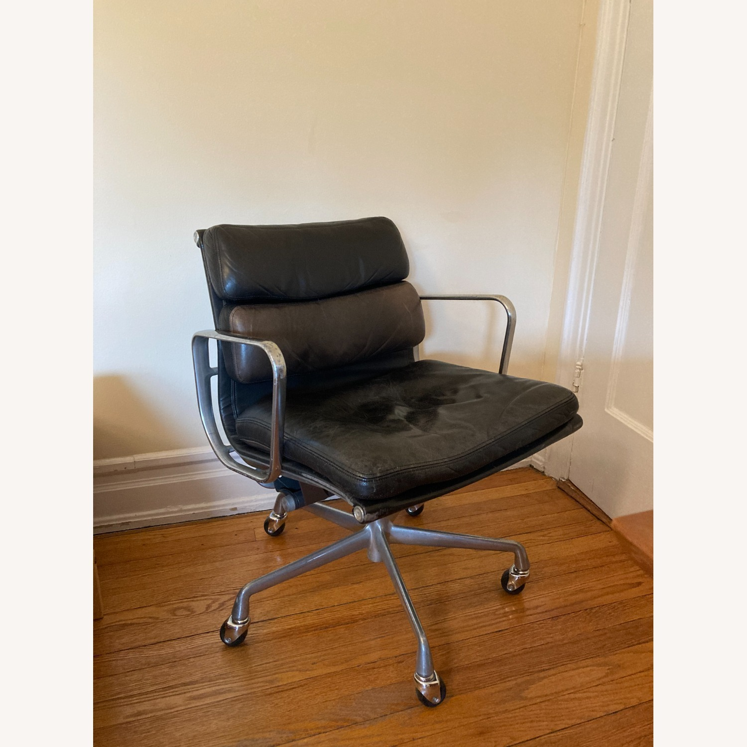 Herman Miller Eames Soft Pad Management Chair - image-1