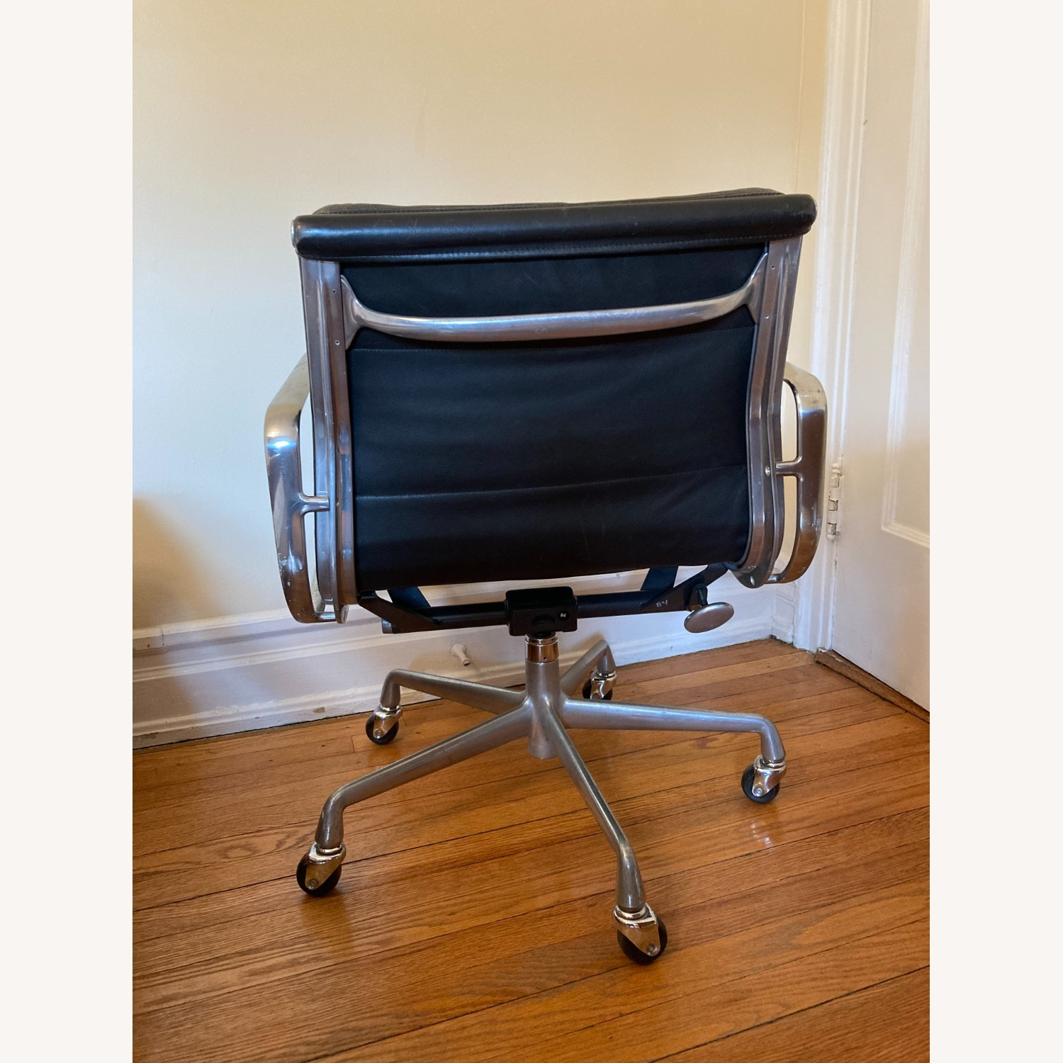 Herman Miller Eames Soft Pad Management Chair - image-4