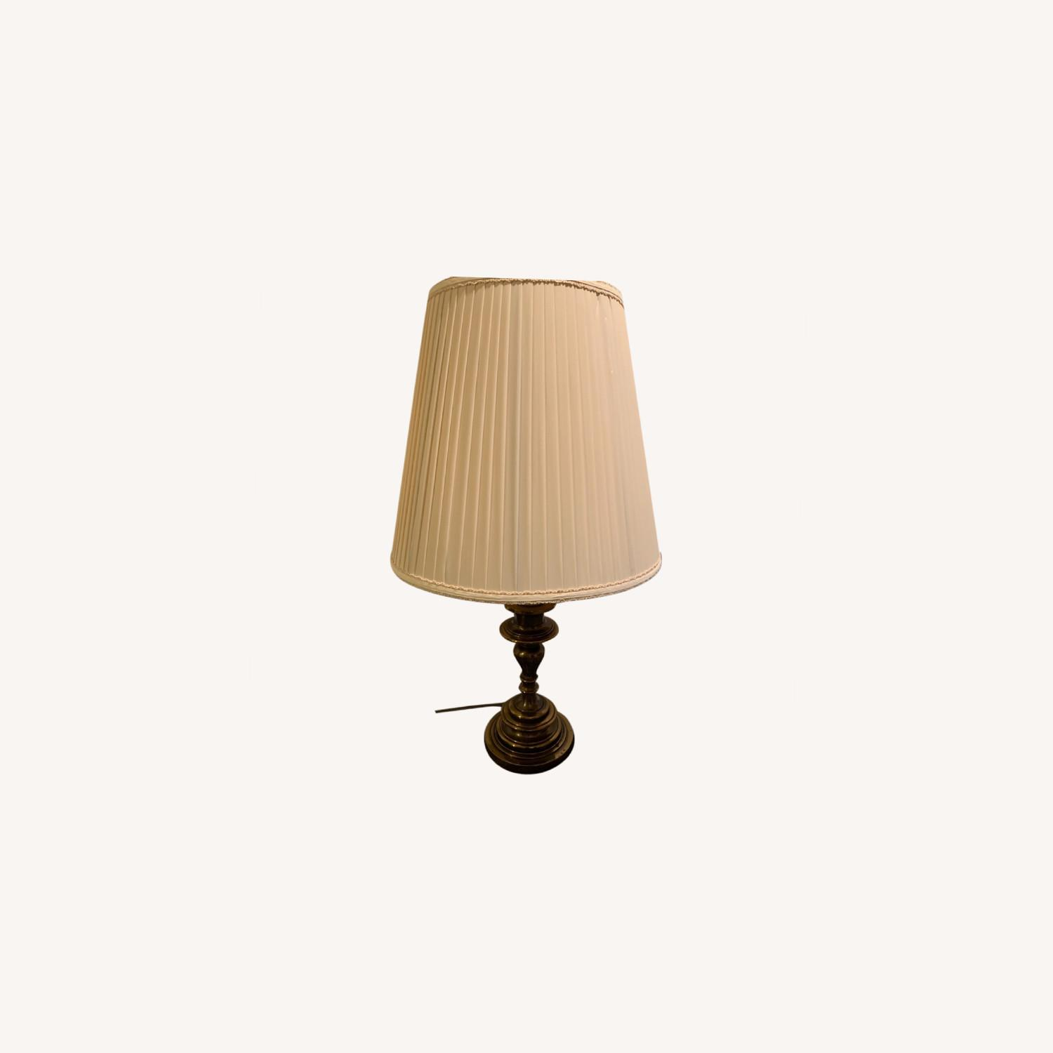 Traditional Table Lamp - image-0