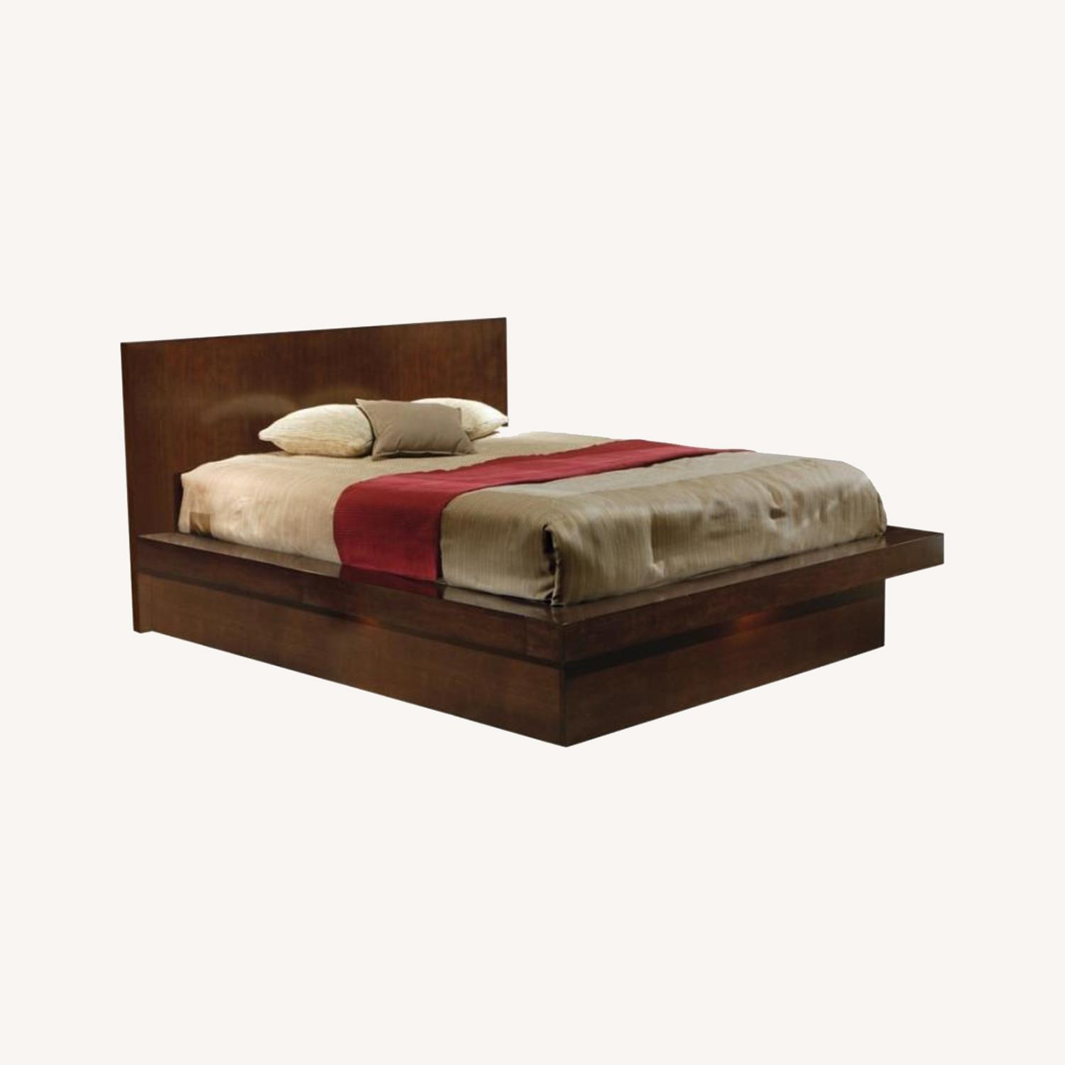 Modern Queen Bed In Rich Cappuccino Finish - image-4