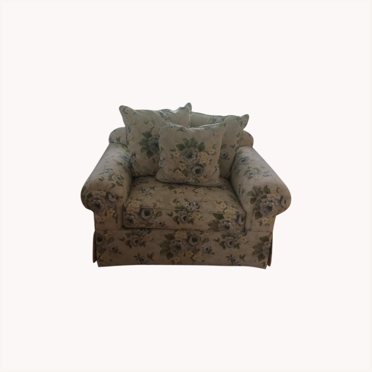 Wayside Furniture Oversized Chair - image-0