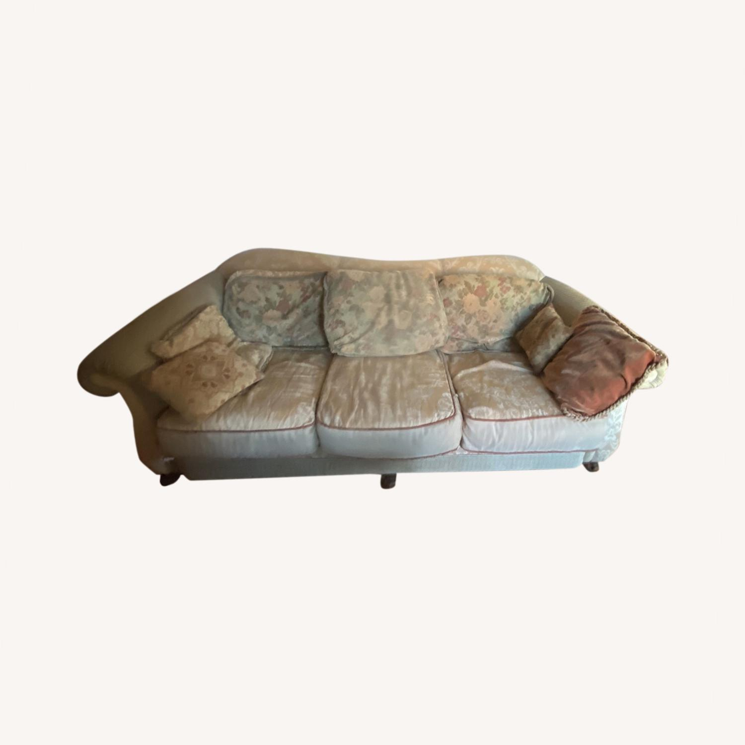 Domain Ornate Super Comfortable Couch Art Deco in Style - image-0