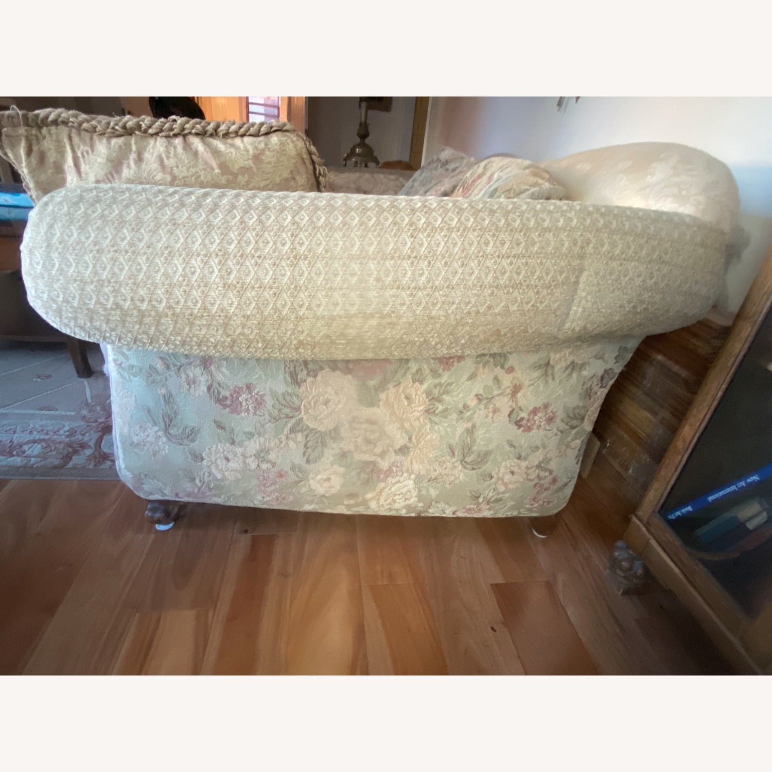 Domain Ornate Super Comfortable Couch Art Deco in Style - image-3