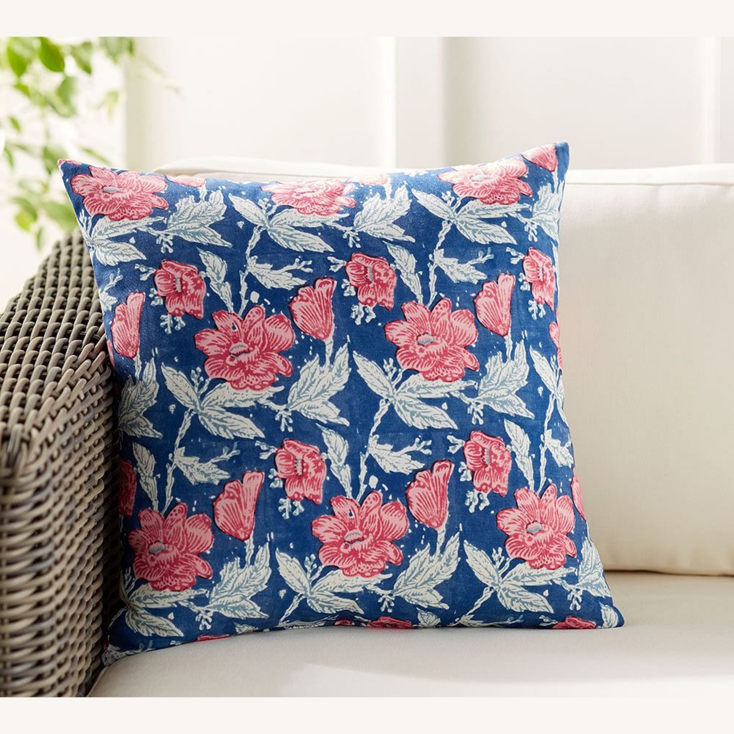 Pottery Barn Indoor/Outdoor Pillow - Set of 8 - image-1