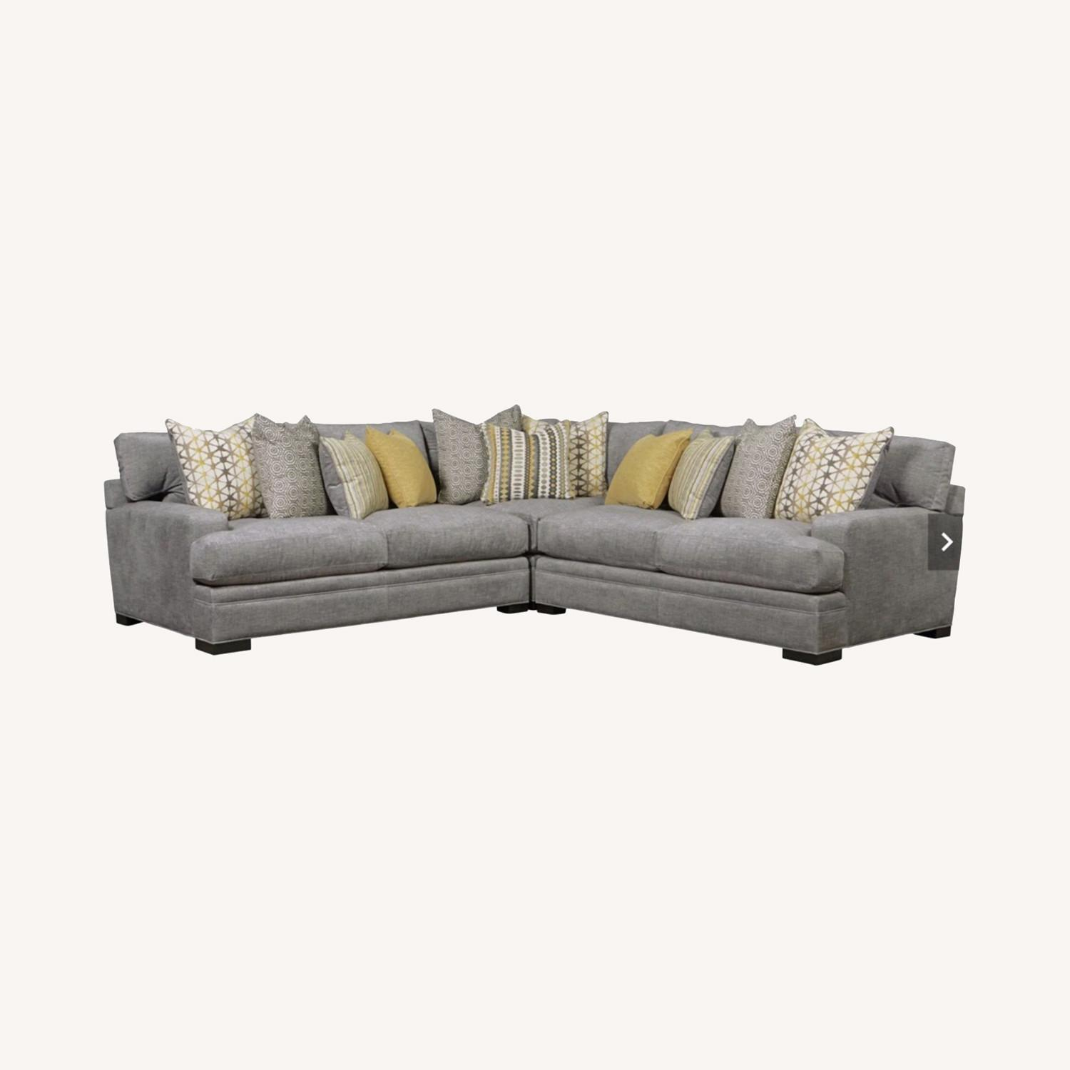 Rooms To Go Gray 3 Piece Sectional Cindy Crawford Home - image-0