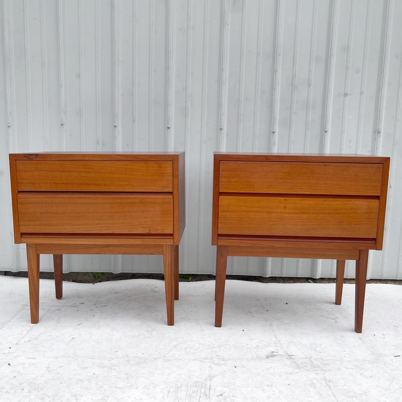 Vintage Teak Nightstands- a Pair - image-0