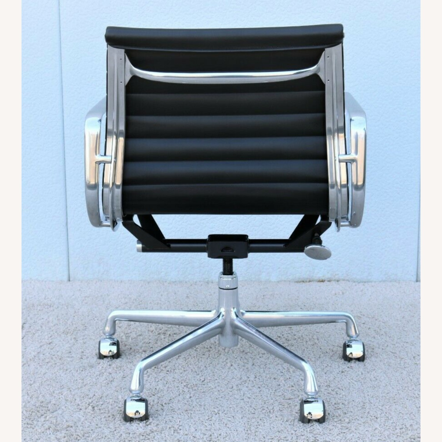 Herman Miller Eames Aluminum Group Chairs - image-2