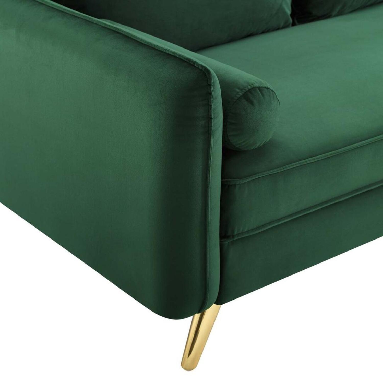 Modern Style Sofa In Emerald Velvet Upholstery - image-4