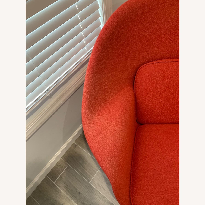 Eero Saarinen Knoll Womb Chair with Ottoman - image-3