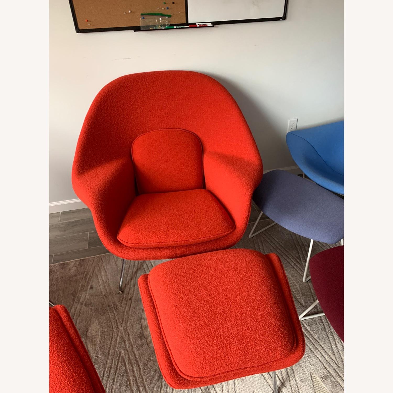 Eero Saarinen Knoll Womb Chair with Ottoman in Red - image-1