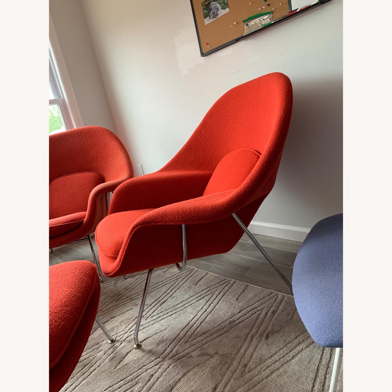 Eero Saarinen Knoll Womb Chair with Ottoman in Red - image-4