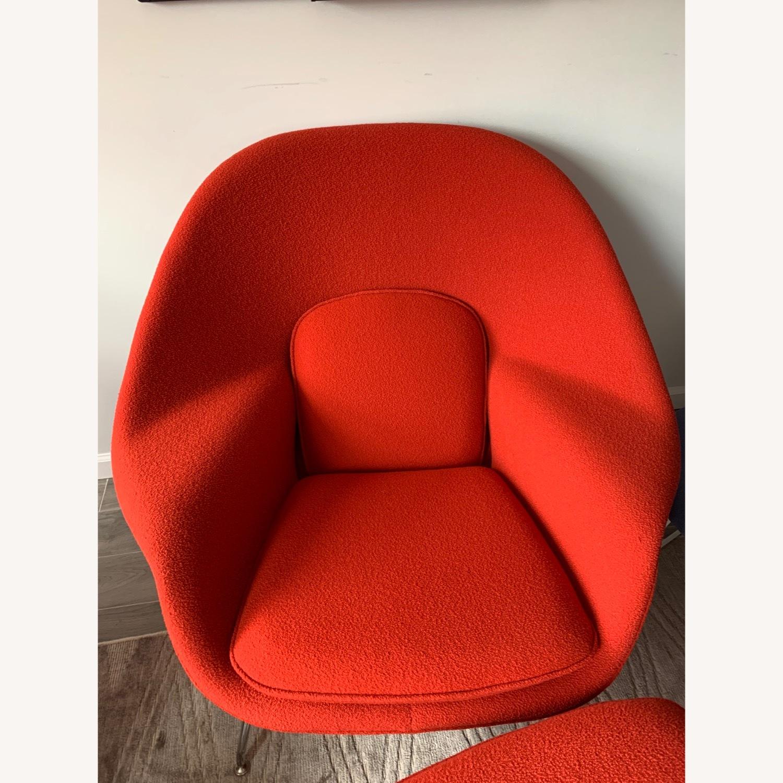 Eero Saarinen Knoll Womb Chair with Ottoman in Red - image-3